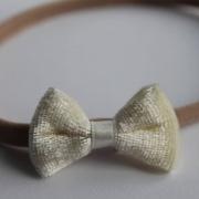 Nylon haarbandje met fluweel strikje