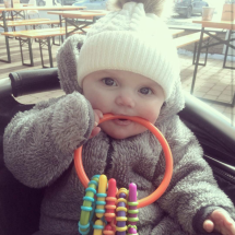 Happy customer - Witte babymuts met pompom