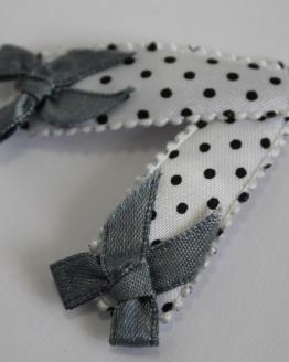Setje monochrome haarspeldjes met grijs strikje