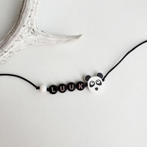Naamarmbandje met houten panda kraal